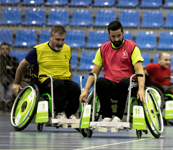 Christopher Triviño entrena cada semana al A-Ball, Fútbol en silla, con el equipo oficial Ortoprono